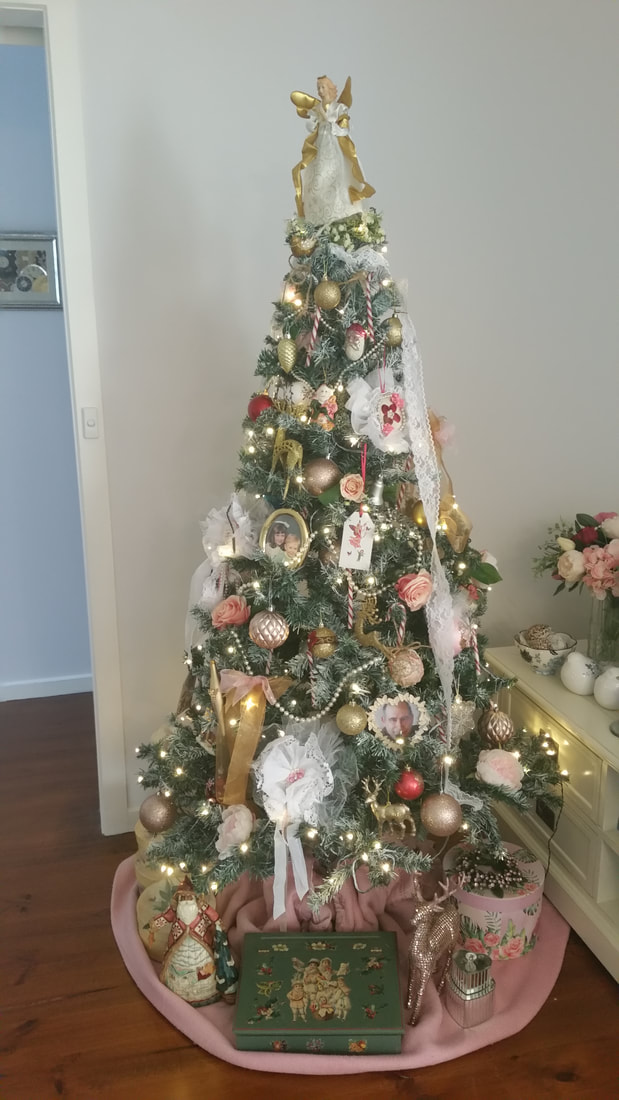 Romantic Christmas Tree